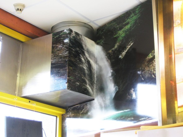 06_2010_waterfallLR